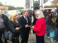 Sur le marché à Calais avec Arlette Deverdenne