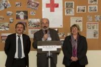 avec le Président du Comité local de la Croix Rouge